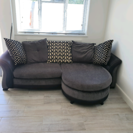 Sofa with detachable foot rest