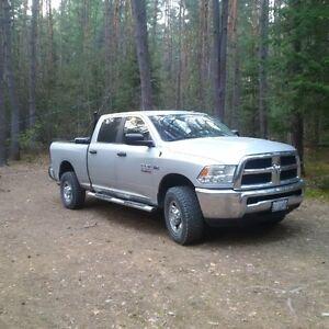 2013 Ram 2500 slt 4x4 like new low km