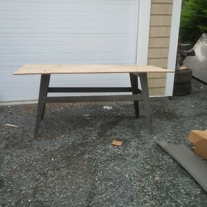 STURDY work table, great for the jobsite or garage or whatever
