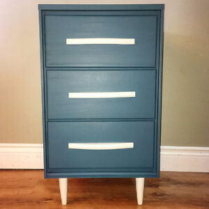 Solid Wood Painted 3-Drawer End Table