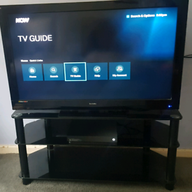 """40"""" hdtv with tv stand"""