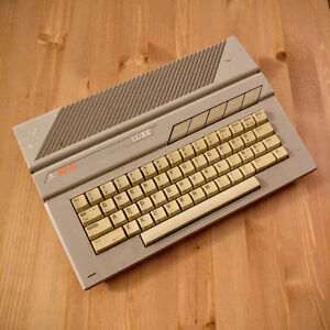 Atari 130XE Home computer - No cables, sold as-is