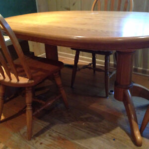 Oak Table with Chairs London Ontario image 2