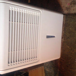 **WILL DELIVER!!**Mainstays 45pint Dehumidifier