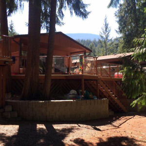 """HappyOurs"" at Buena Vista Resort on Shuswap's Mara Lake"
