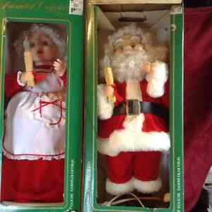 Mechanical Lighted Mr and Mrs Claus London Ontario image 1
