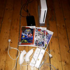 Wii craquée avec manettes et jeux