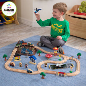 NEW: KidKraft Bucket Top Mountain Train Set