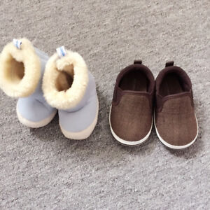 Brand new 2 Baby shoes & gloves (free clothes) all for only $10