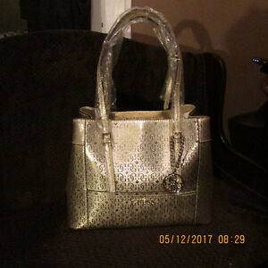 Authentic NEW Gold Guess Shopper Tote