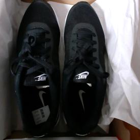 Nike air max invigor , mens size 8