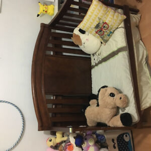 Solid wood convertible crib with organic mattress