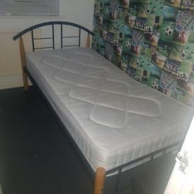 Solid metal bed