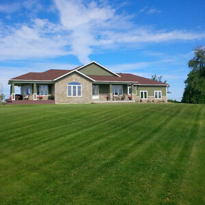 CUSTOM BUNGALOW IN AMAZING LOCATION!! SO MANY FEATURES!