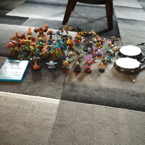 WIIU SKYLANDERS IMAGINATORS WITH FIGURES