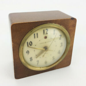 General Electric Alarm Clock LR-24 Wood & Bubble Glass Face