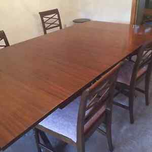 Duncan Phyfe dining table, chairs and sideboard