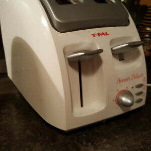 Slow cooker with timer and toaster St. John's Newfoundland image 5