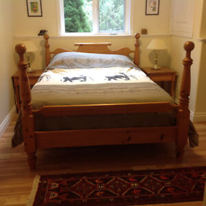 Queen size pine bed
