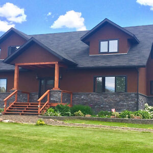 8 BRM-SLEEPS 20/ LUXURIOUS COTTAGE/ Near Fernie BC