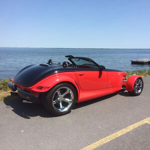 2000 Plymouth Prowler  only 151 dans le monde : black/red