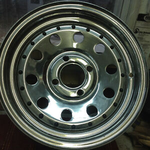 5 new Chrome rims for sale