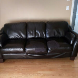 Dark brown couch - Fauteuil brun foncé