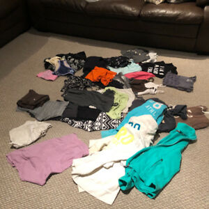 Girls /Youth /Young Ladies Bag of Clothing mainly size xsm/sm.