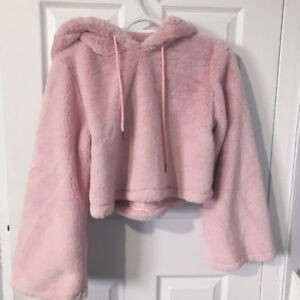 FOREVER 21 fluffy pink sweater