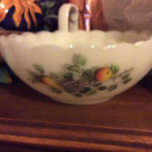 Purple Vase, French Art, teapot and glass bowls Windsor Region Ontario image 3