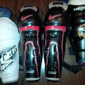 Hockey Equipment - Shin Pads and Pants Belleville Belleville Area image 3