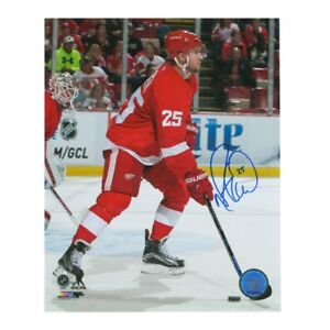 Mike Green Detroit Red Wings Autographed 8 X 10 Photo With COA