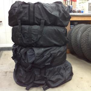 Housses, sacs d'entreposage pour pneus