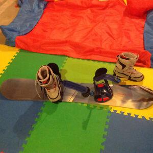 Women's Salomon Snowboard (145) with boots