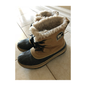 Selling Sorel winter boots