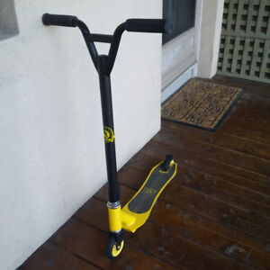 Yellow Pulp Stunt Scooter (Swiss Made)