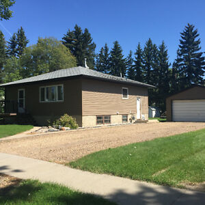 House in Camrose - University area