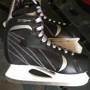 4 PAIR OF MENS SKATES
