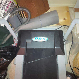 Foldable, Electric Treadmill In Good Condition Kitchener / Waterloo Kitchener Area image 2