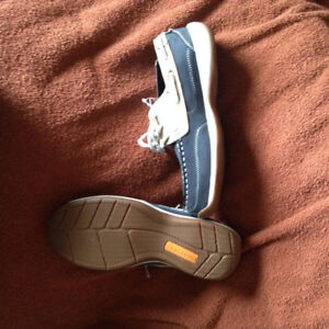 BRAND NEW LADIES STEEL TOE ROCKPORT BOAT SHOES