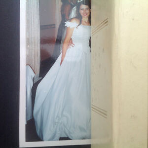 Like Cinderella ball room Wedding dress  ou Robe de mariage West Island Greater Montréal image 3