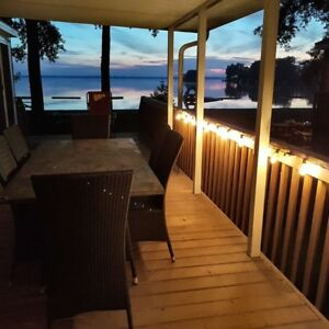 Waterfront Beach Cottage in Sandbanks min fr Picton