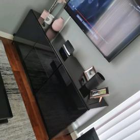 Black/brown gloss TV unit