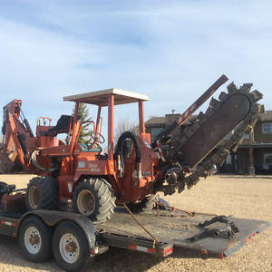 Ditch Witch trencher / backhoe 5700DD for sale