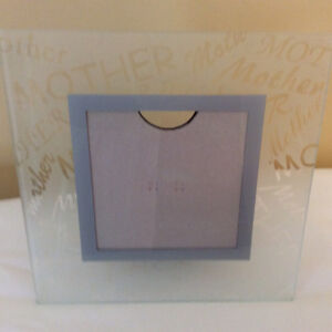 Glass easel type picture frame