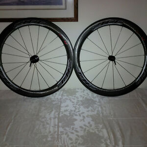 ZIPP Firecrest 404 Carbon Clinchers Kitchener / Waterloo Kitchener Area image 1