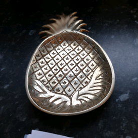 Pineapple shaped dish