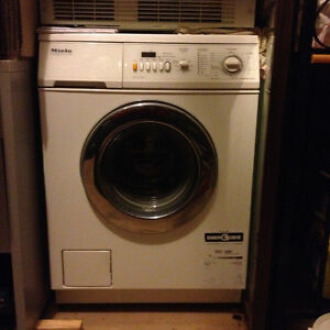 Melie Washer & Dryer  Stackable - Excellent Condition London Ontario image 1