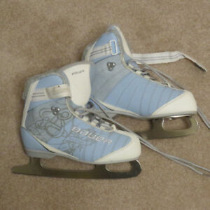 Women's Bauer Skates Size 6, Like New, Used Once