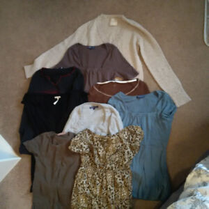 MATERNITY CLOTHES - 33 PIECES!!!